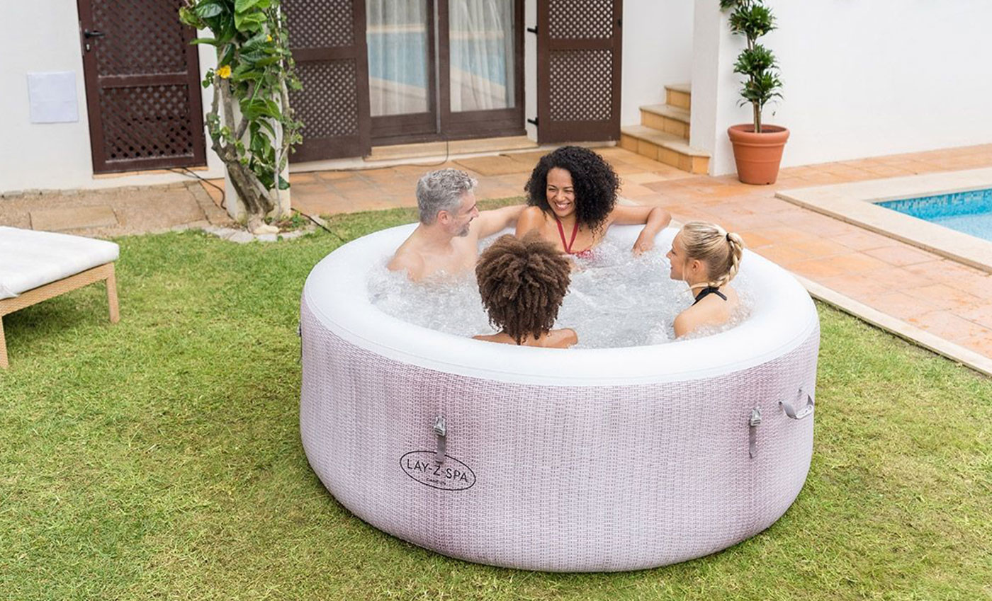Lay-Z-Spa Cancun Airjet Hot Tub Review